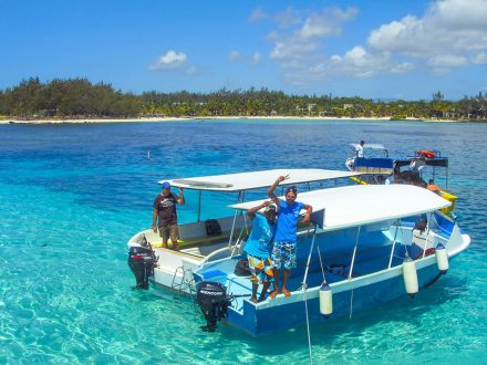 totof mauritius glassbottom boat and snorkeling