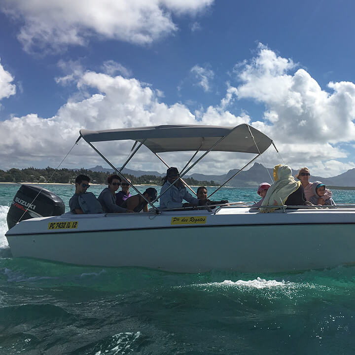 speedboat excursion to ile-aux-cerfs with totof tours