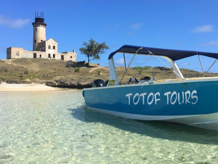 Totof Tours exclusive speedboat excursion