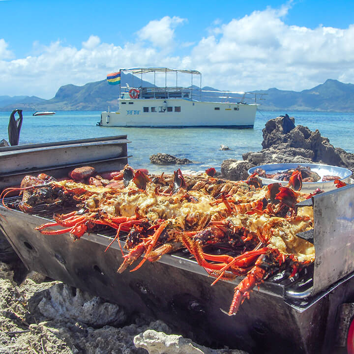 lobster barbeque on ile-aux-phare with Totof Tours