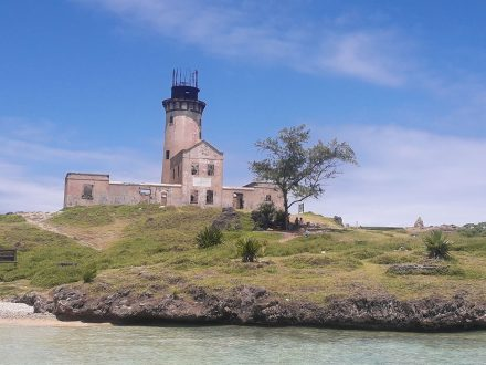 Visiting the lighthouse island - Ile aux Phare